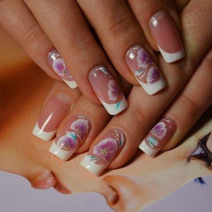 Рисунок цветов на ногтях френч